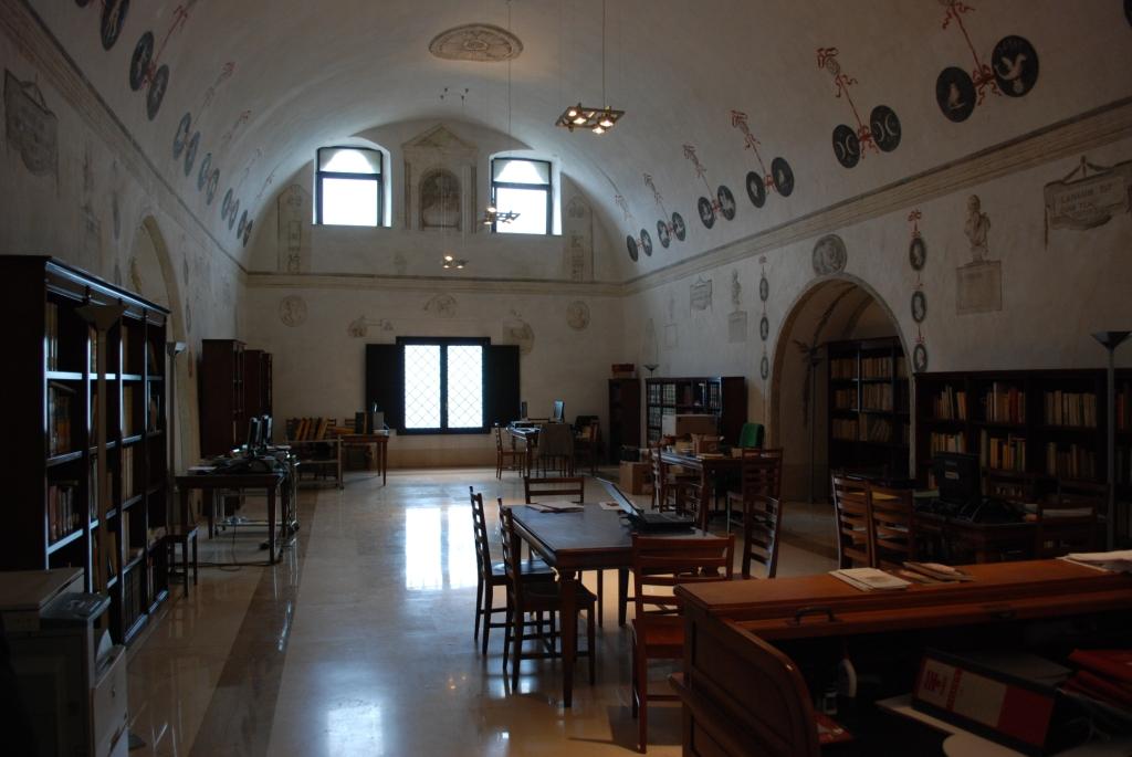 "Biblioteca ""Capecelatro"""
